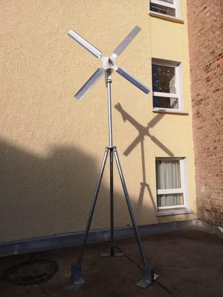 Dreibein-Mast für Windkraftanlage Variante 2